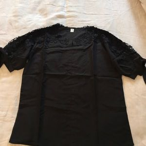 Tops - NWOT Black Cotton Top with lace
